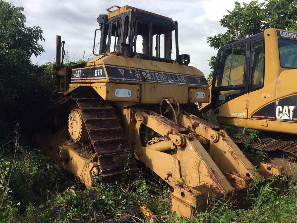 Caterpillar D7H Dismantled for Spare Parts